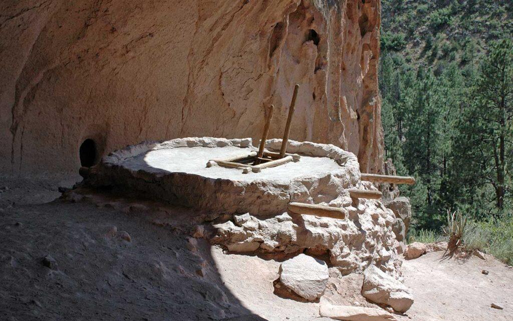 Bandelier cliff dwellings kiva