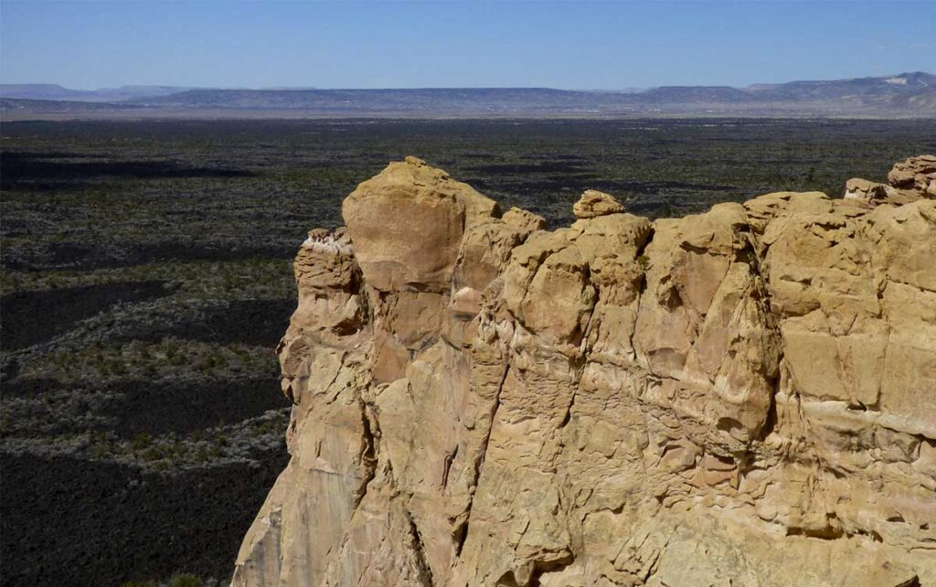 El Malpais National Monument from the sandstone cliffs
