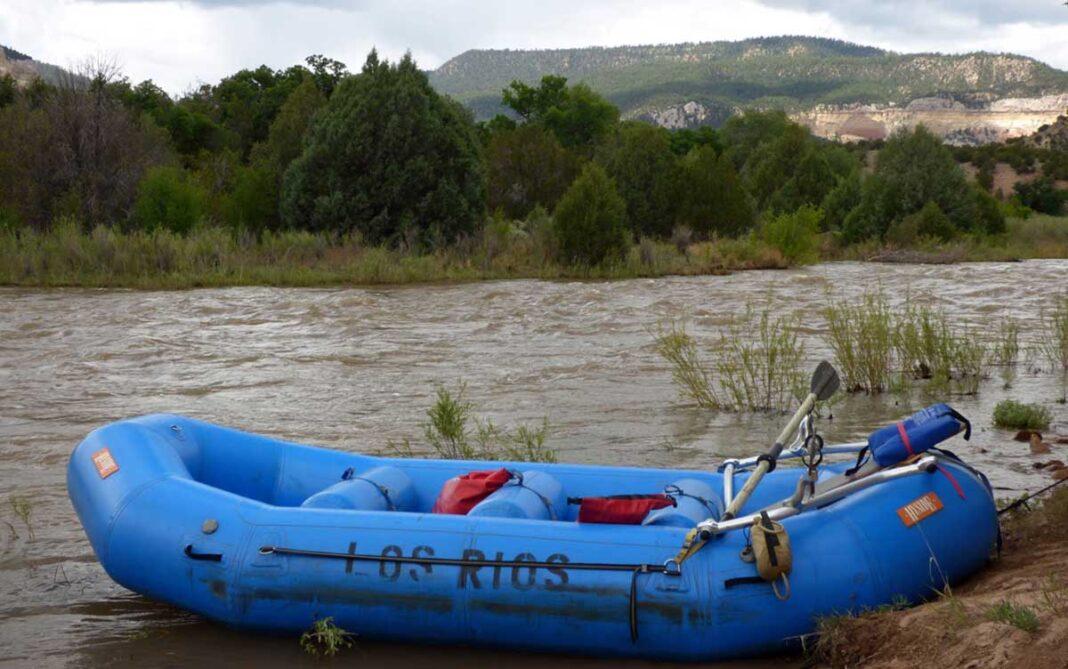 Los Rios River Runners rafting the Rio Chama