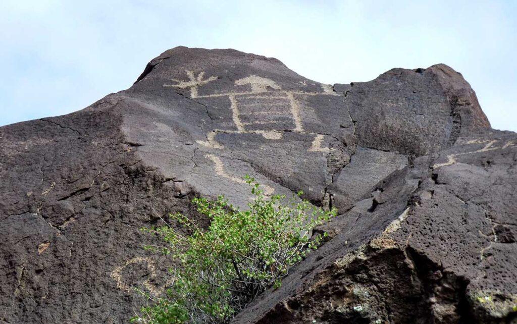 Mesa Prieta petroglyph