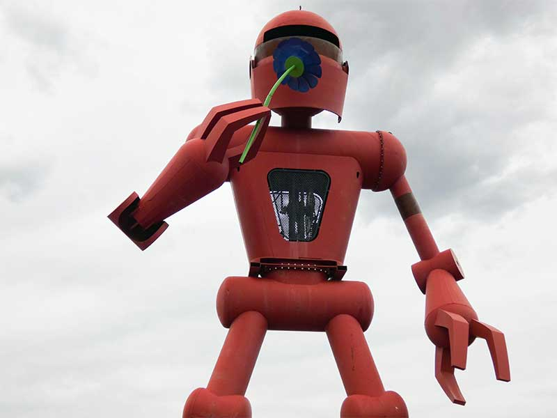 Robot outside of Meow Wolf