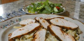 Green chile fettucine alfredo with blackened chicken