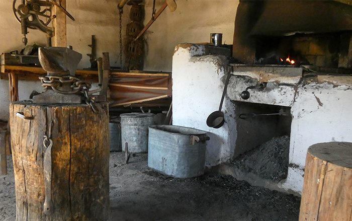 El Rancho de las Golondrinas blacksmith
