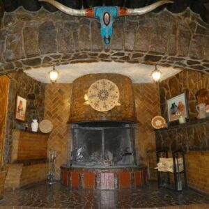 El Rancho Gallup fireplace entryway