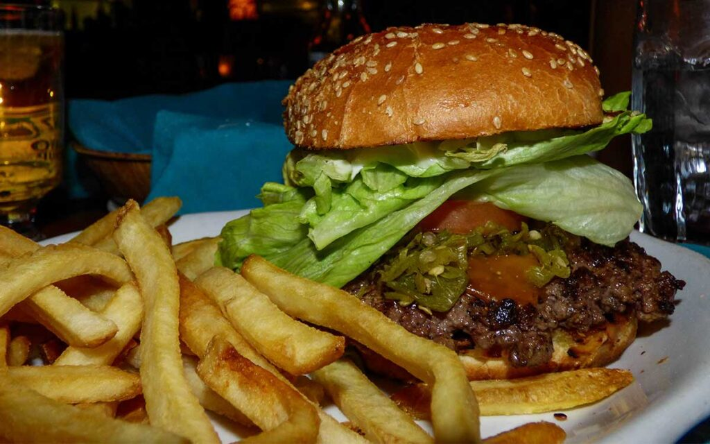 Los Arcos Steakhouse green chile cheeseburger